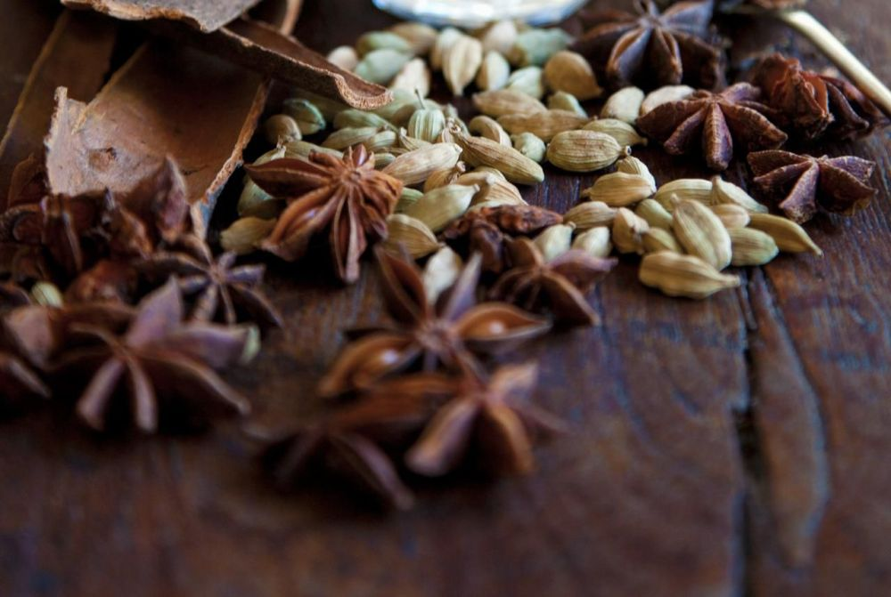 Star anise and cardamom